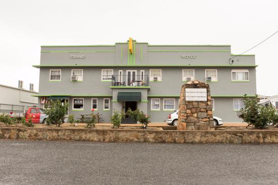 Grand Hotel - Phillip Island Accommodation