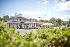 The Alexandra Hotel - Phillip Island Accommodation
